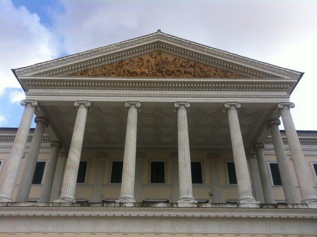 Neoclassicismo architettura giuseppe valadier villa for Portico laterale in stile casa in stile charleston